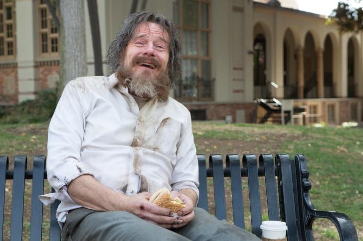 5 причин, чому краще пройти повз бездомної людини, а не намагатися допомогти йому